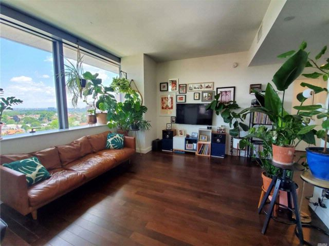 1 BR,  1.00 BTH Condo style home in Forest Hills