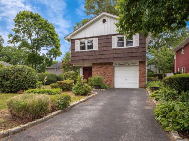 [Wheatley Heights Real Estate, listing number 3076278]