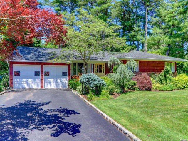 4 BR,  2.00 BTH  Ranch style home in Woodbury