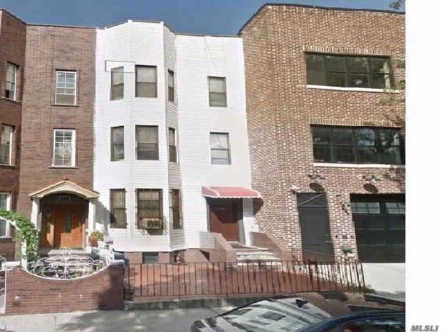 7 BR,  7.00 BTH  Townhouse style home in Sunset Park