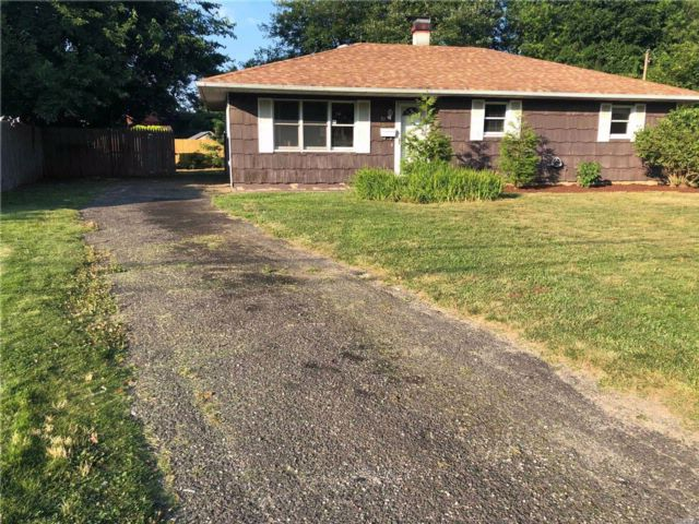 [East Patchogue Real Estate, listing number 3076671]