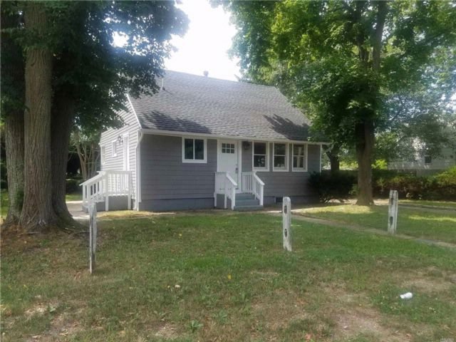[Central Islip Real Estate, listing number 3076707]