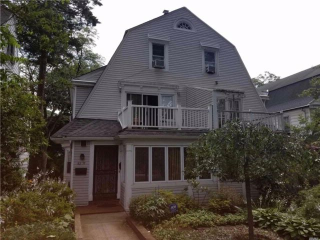 5 BR,  1.56 BTH  Colonial style home in Kew Gardens