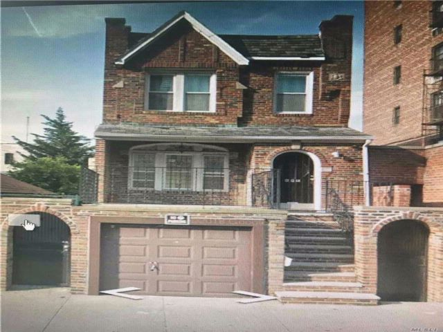 8 BR,  2.00 BTH Colonial style home in Bay Ridge