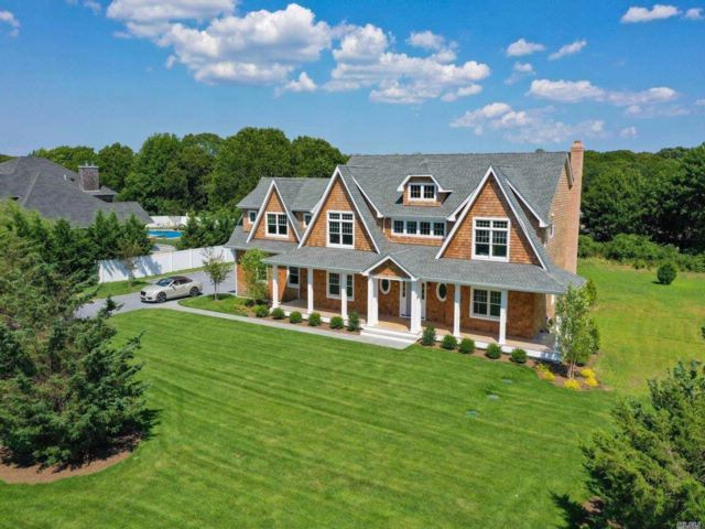 5 BR,  5.50 BTH  Post modern style home in Westhampton