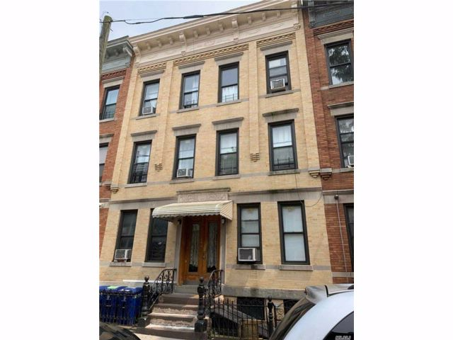 Studio,  0.00 BTH  Apt house style home in Ridgewood