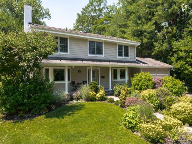 4 BR,  2.50 BTH Colonial style home in Great Neck