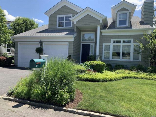 4 BR,  2.50 BTH Colonial style home in Oyster Bay