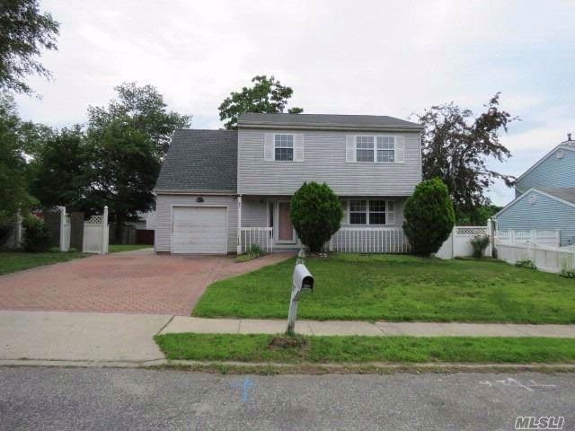 [Central Islip Real Estate, listing number 3077762]