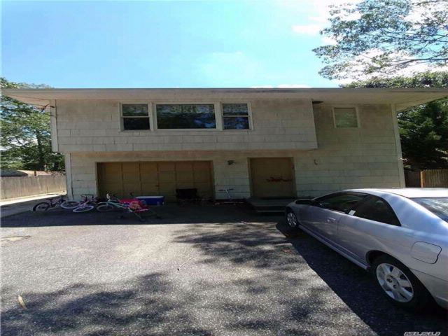 5 BR,  2.00 BTH Hi ranch style home in Flanders
