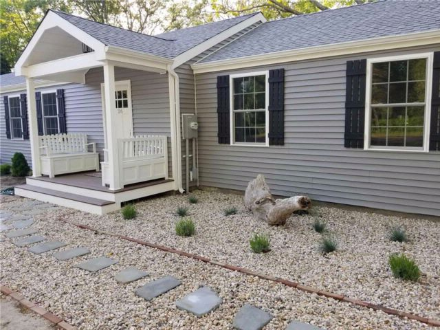 3 BR,  2.00 BTH Ranch style home in Riverhead