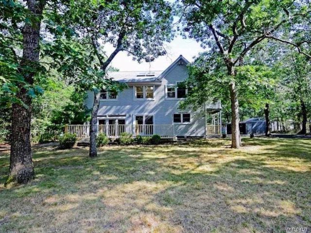 3 BR,  2.50 BTH Colonial style home in Riverhead