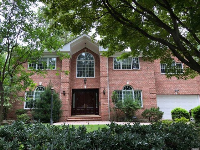 6 BR,  5.50 BTH  Colonial style home in Great Neck
