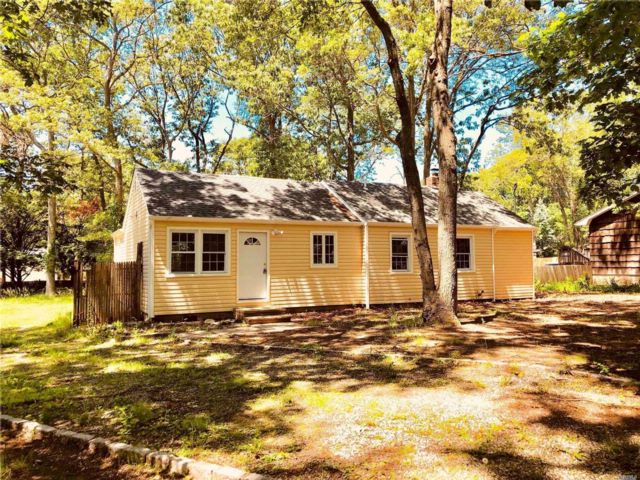 [Smithtown Real Estate, listing number 3081828]