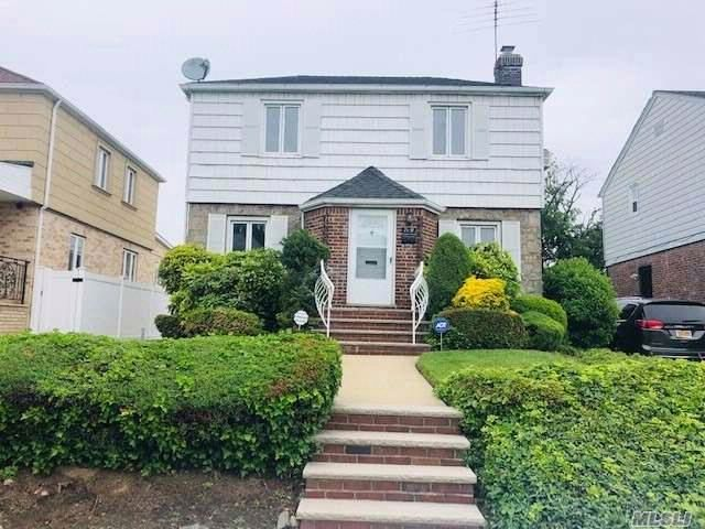 3 BR,  2.00 BTH  Colonial style home in Fresh Meadows