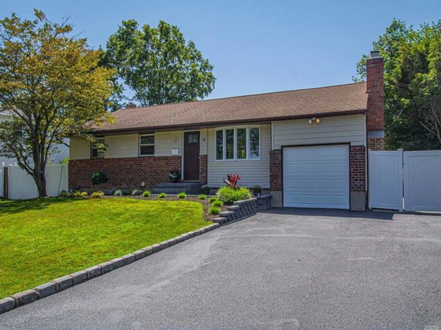 3 BR,  1.50 BTH  Ranch style home in Commack
