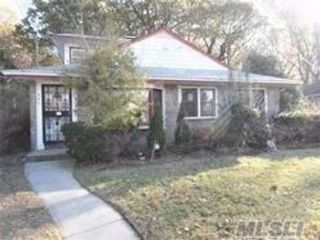 5 BR,  2.00 BTH  Ranch style home in West Hempstead