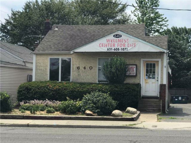 Studio,  0.00 BTH Office style home in Copiague