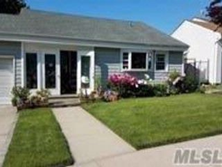 3 BR,  1.50 BTH  Ranch style home in Floral Park
