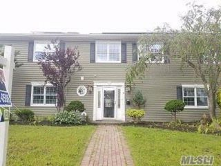 4 BR,  3.00 BTH Colonial style home in Babylon