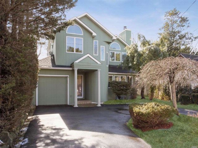 4 BR,  3.50 BTH  Contemporary style home in Woodmere