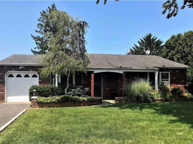 4 BR,  1.50 BTH Exp ranch style home in Bohemia