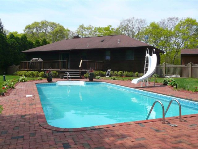 3 BR,  2.00 BTH Exp ranch style home in Hampton Bays