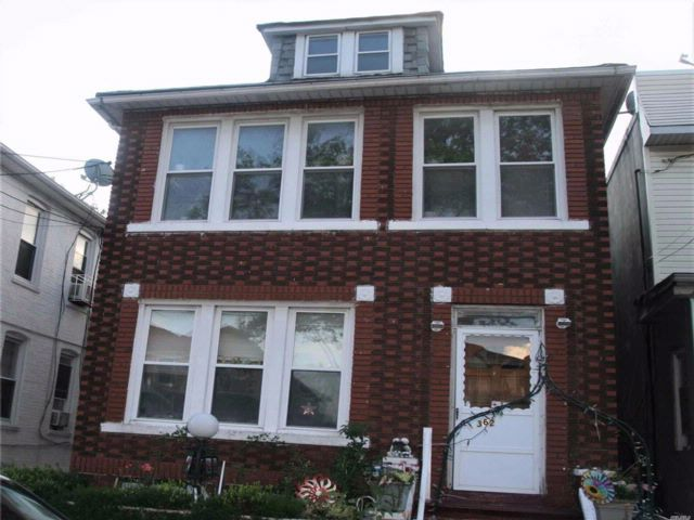 5 BR,  3.00 BTH  Colonial style home in East Flatbush