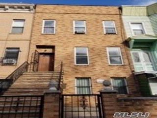 5 BR,  3.00 BTH  Colonial style home in Crown Heights