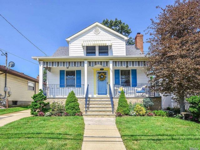 3 BR,  2.00 BTH Exp cape style home in Elmont