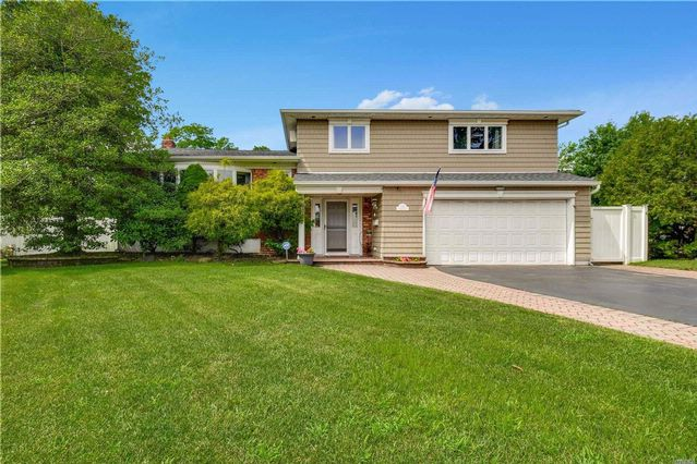 3 BR,  3.00 BTH Split style home in Seaford
