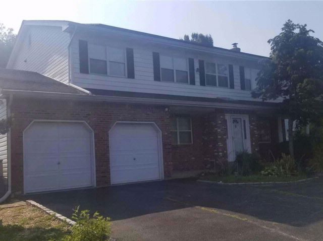 2 BR,  2.00 BTH Colonial style home in Massapequa