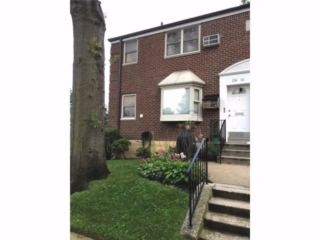 1 BR,  1.00 BTH  Garden apartmen style home in Little Neck