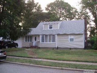 2 BR,  3.00 BTH  Cape style home in Franklin Square