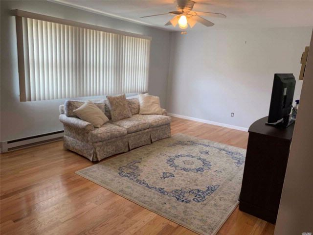[Wantagh Real Estate, listing number 3083775]