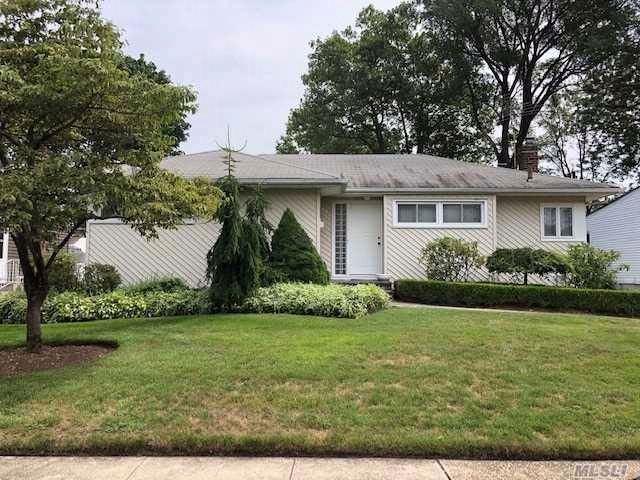 [East Meadow Real Estate, listing number 3083780]