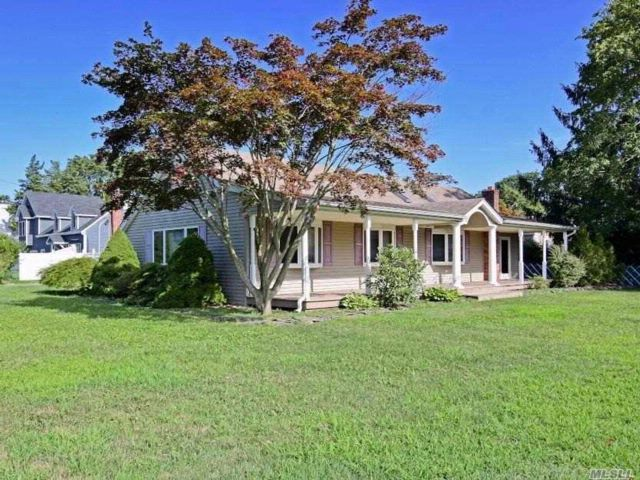 [Smithtown Real Estate, listing number 3083792]