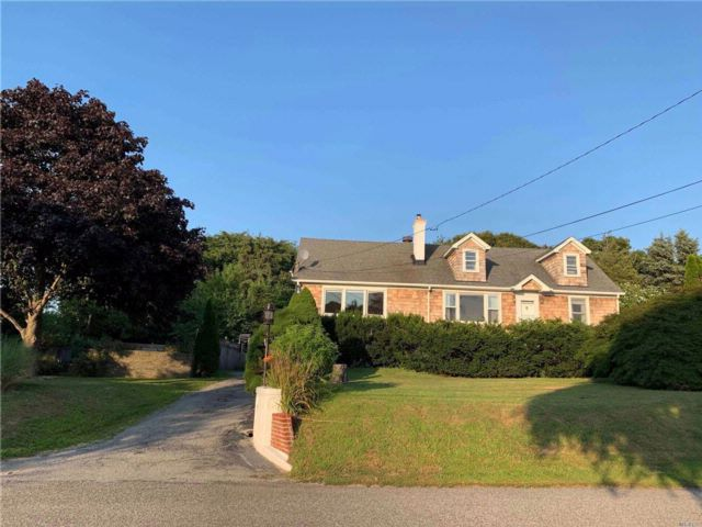 5 BR,  2.00 BTH  Cape style home in Sag Harbor