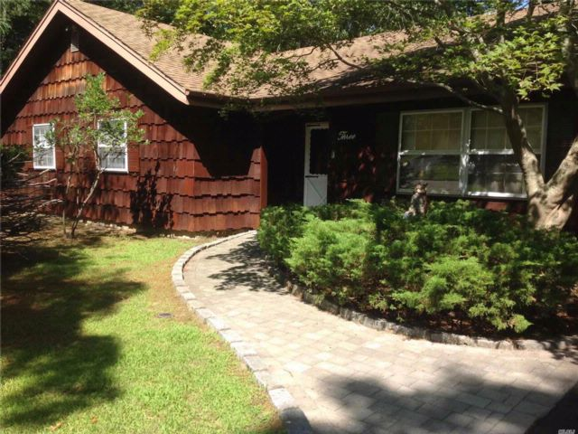 [Manorville Real Estate, listing number 3083870]