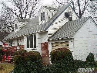 4 BR,  1.50 BTH  Cape style home in West Hempstead