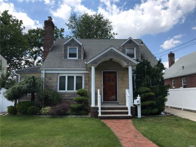 [Franklin Square Real Estate, listing number 3083893]