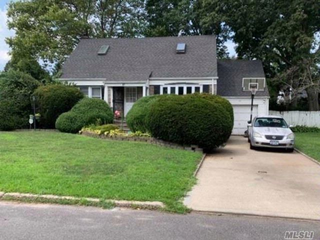3 BR,  2.00 BTH  Cape style home in Westbury