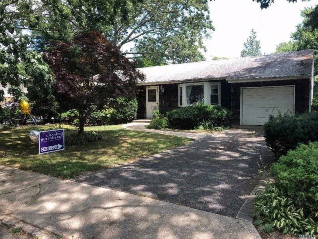 3 BR,  1.50 BTH Ranch style home in Nesconset