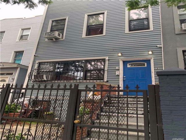5 BR,  2.50 BTH Other style home in Bushwick
