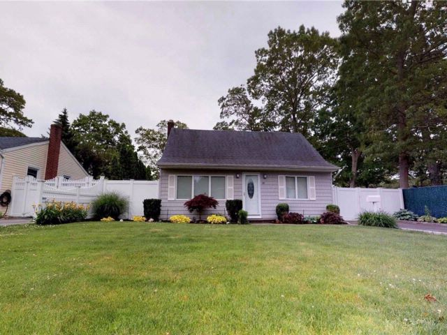 [Ronkonkoma Real Estate, listing number 3084230]