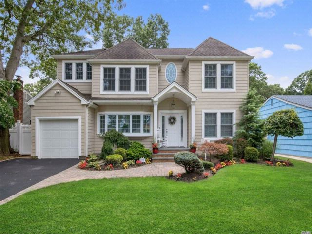 [Wantagh Real Estate, listing number 3084472]