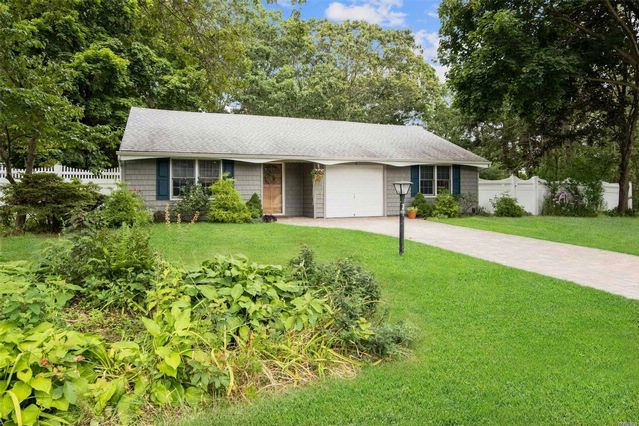 3 BR,  1.50 BTH  Ranch style home in South Setauket