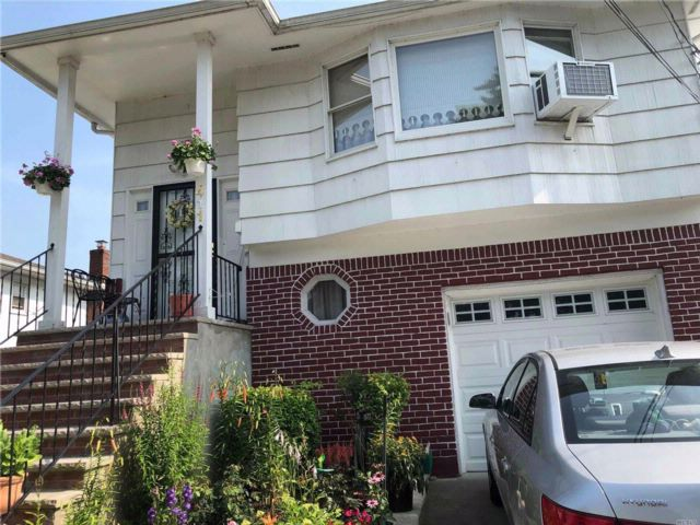 2 BR,  1.00 BTH  Hi ranch style home in Rockville Centre