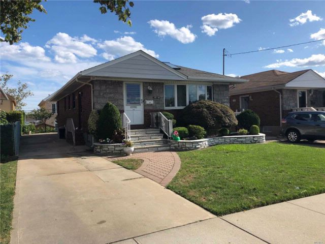[Howard Beach Real Estate, listing number 3084677]
