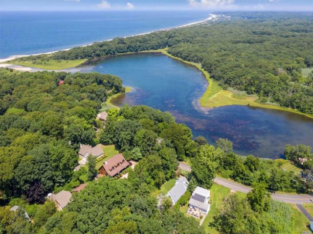 3 BR,  2.00 BTH Other style home in Peconic